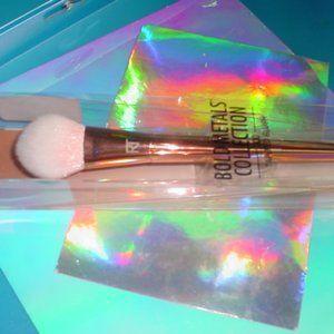 REAL TECHNIQUES NIB Metals Tapered Blush Brush